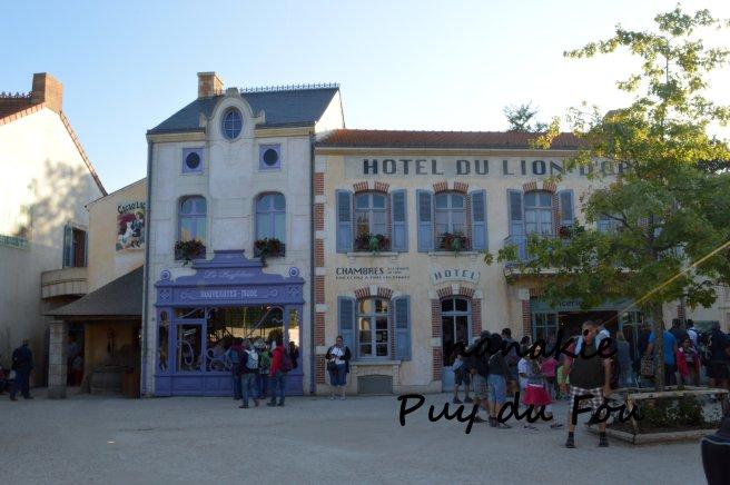 2015-09-06 Puy du fou Bourg 1900 (1)
